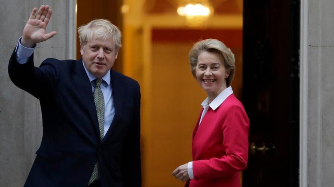 رئيسة المفوضية الأوروبية أورسولا فون دير لايين مع بوريس جونسون