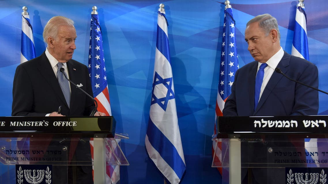 US President-elect Joe Biden (L) and Israeli Prime Minister Benjamin Netanyahu look at each other as they deliver joint statements during their meeting in Jerusalem March 9, 2016. (File photo: Reuters)