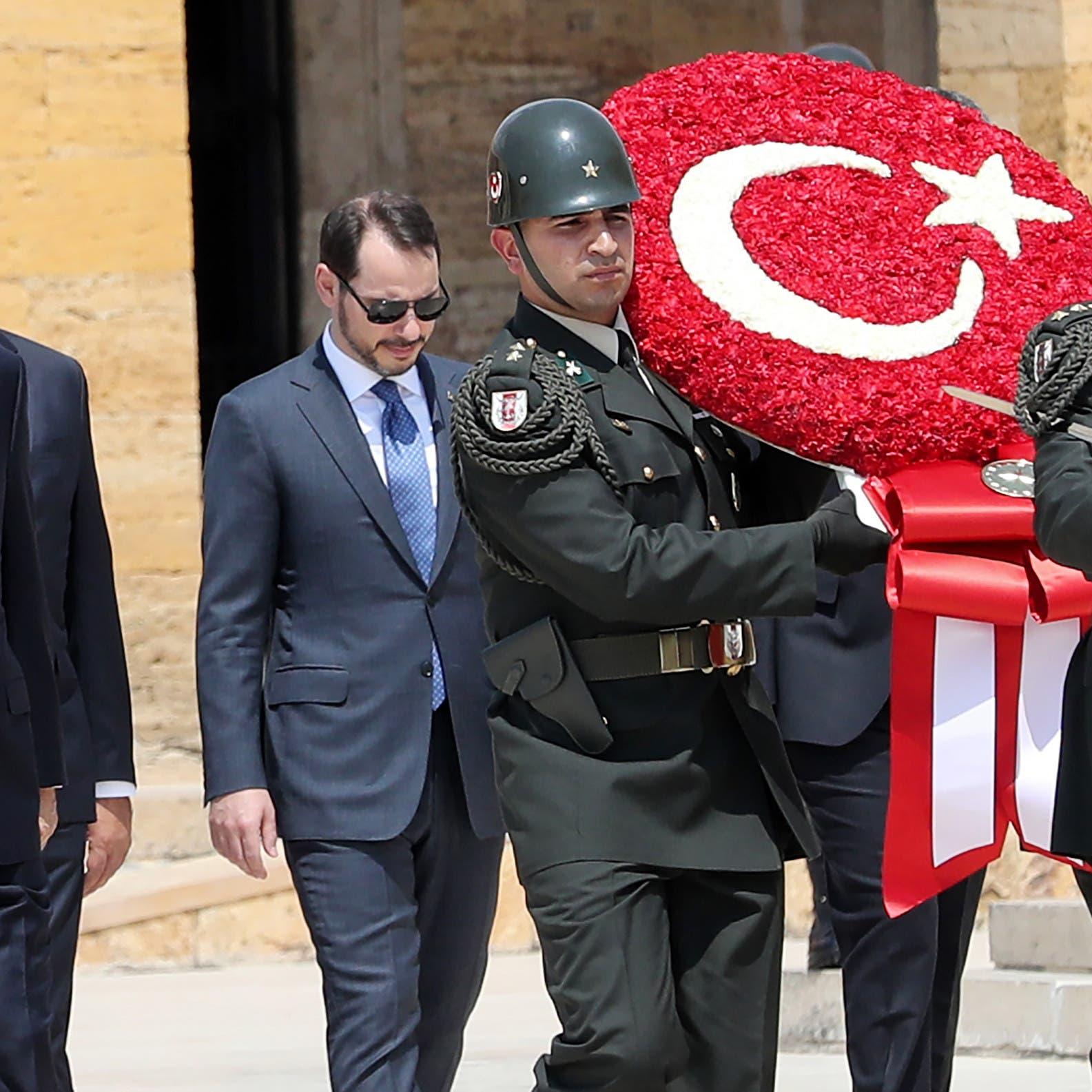 المعارضة التركية: أردوغان يدير الدولة كشركة عائلية