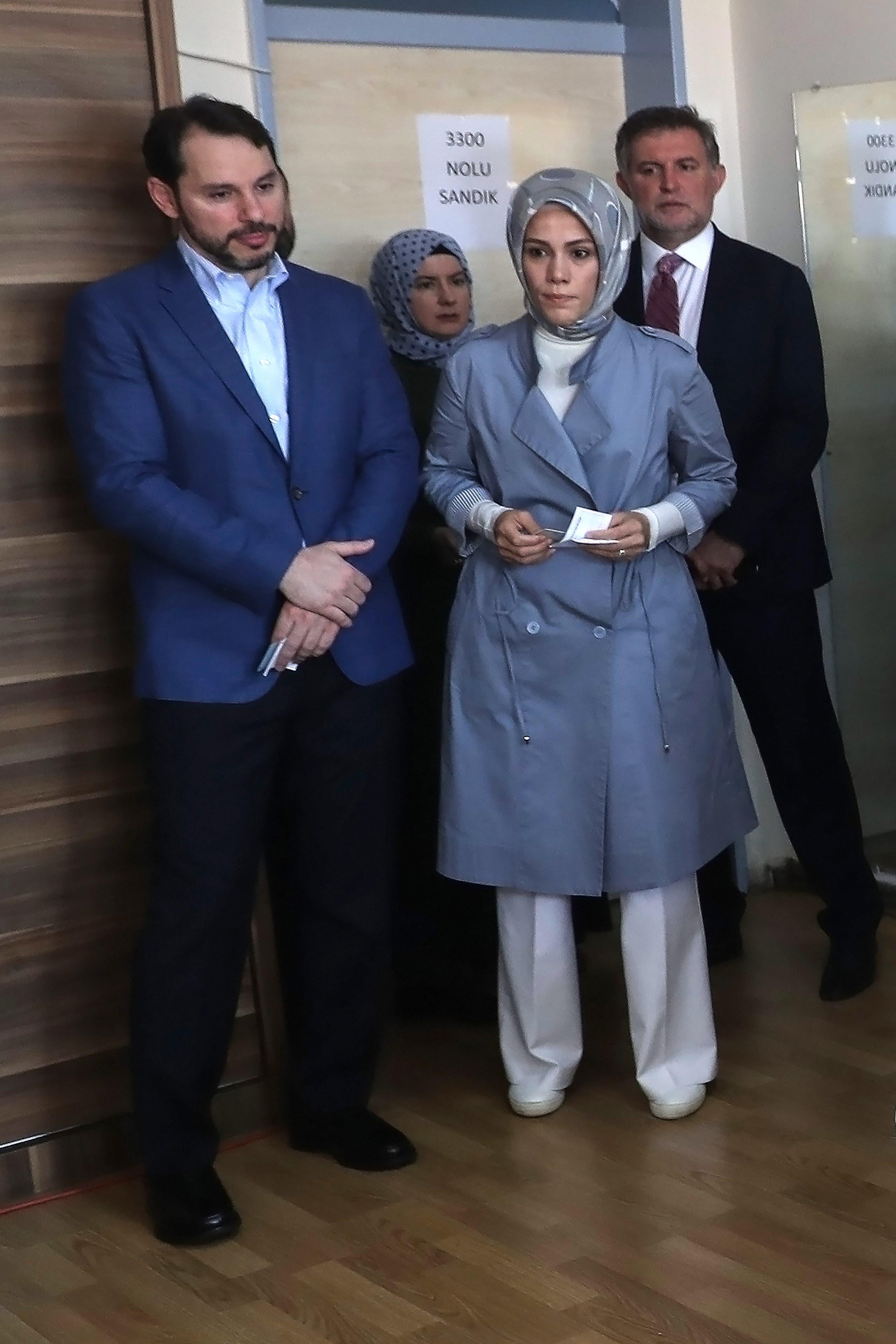 """بيرات البيرق مع زوجته إسراء ابنة أردوغان """"أرشيفية"""""""