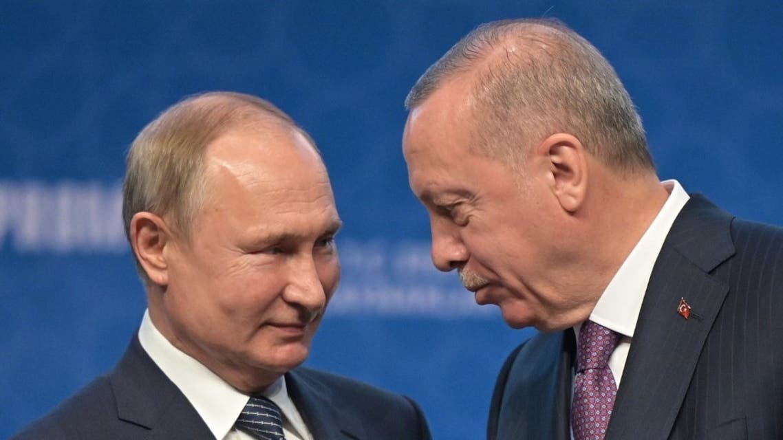 File photo of Russian President Vladimir Putin (L) and Turkish President Recep Tayyip Erdogan (R) speak on January 8, 2020 in Istanbul. (AFP)