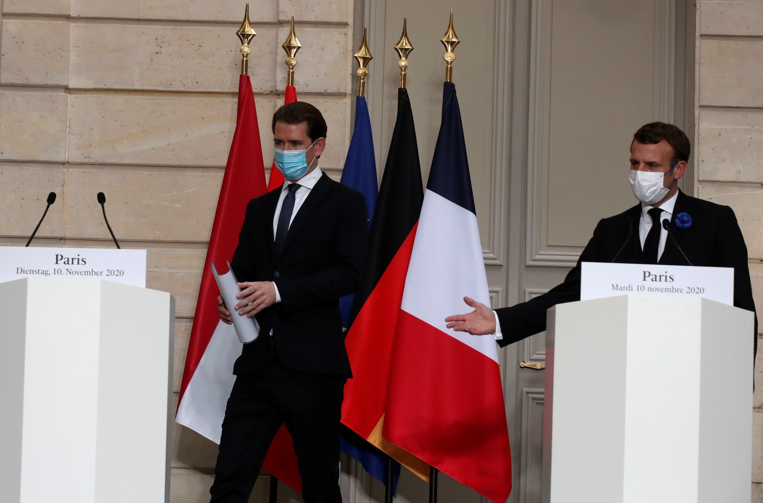 مؤتمر صحافي لإيمانويل ماكرون وسيبستيان كورز بعد القمة