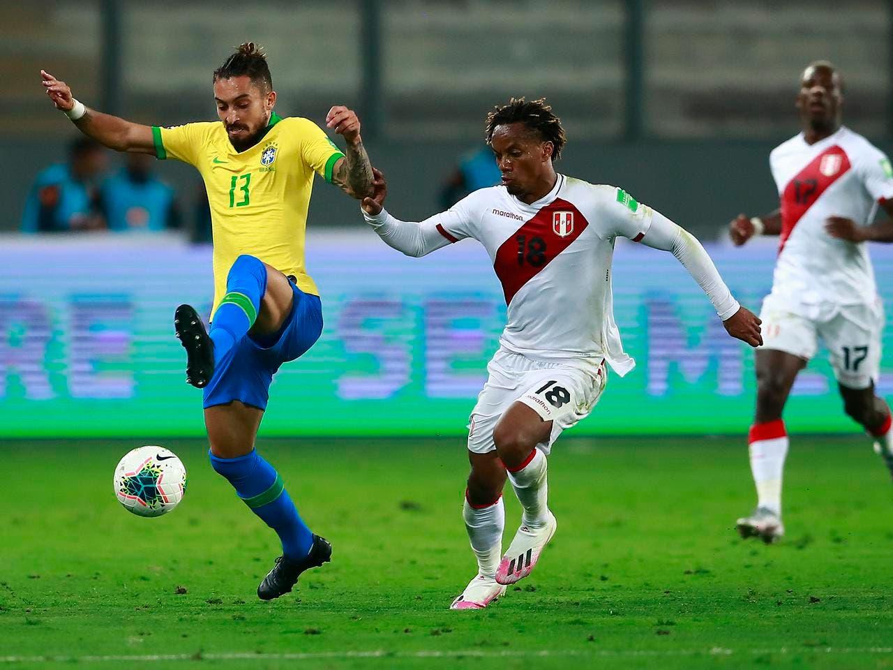 كاريو لاعب الهلال في مباراة سابقة ضد البرازيل