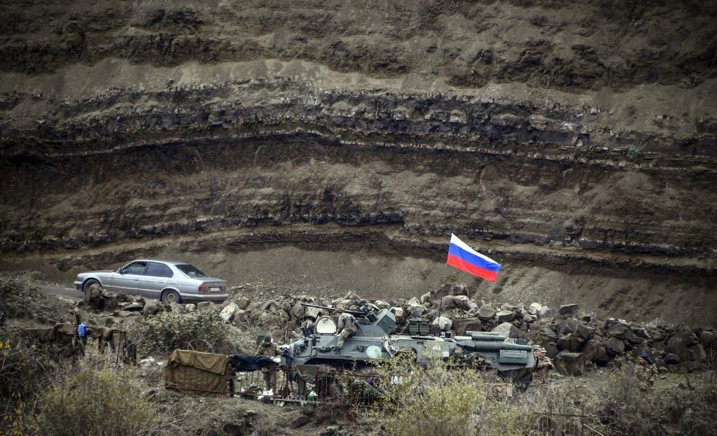 مدرعات عسكرية روسية في إقليم كاراباخ