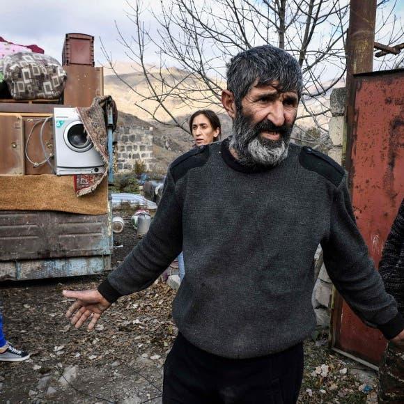 غضب في كاراباخ.. الأرمن يحرقون منازلهم قبل تسليمها لباكو