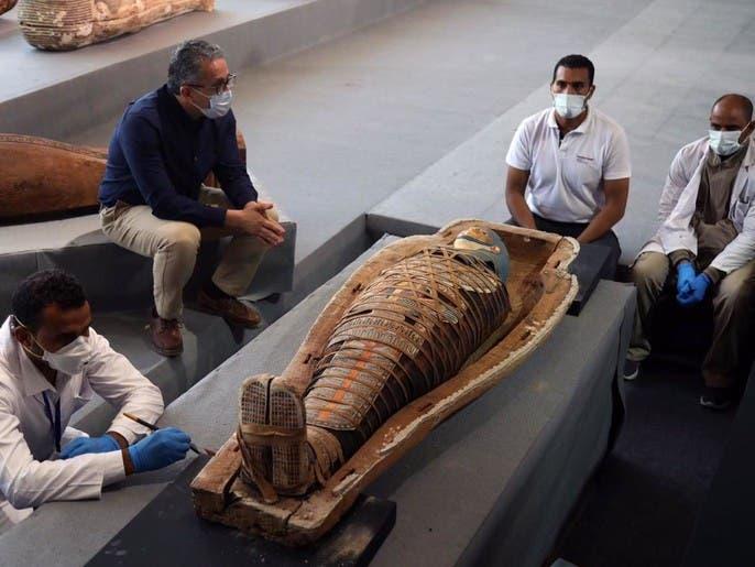بالصور.. اكتشاف ضخم لـ 100 تابوت فرعوني بمصر