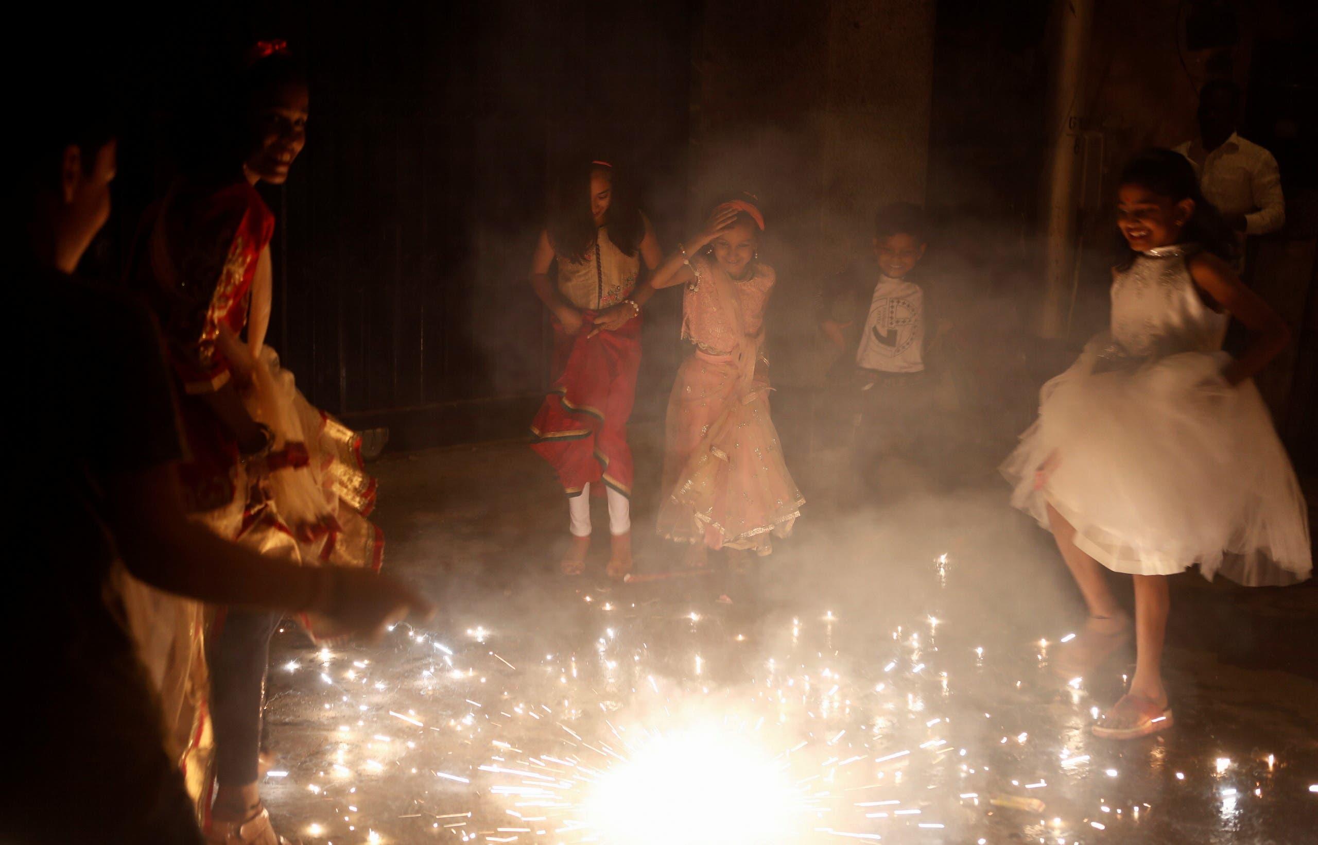 من الاحتفالات بديوالي في الهند