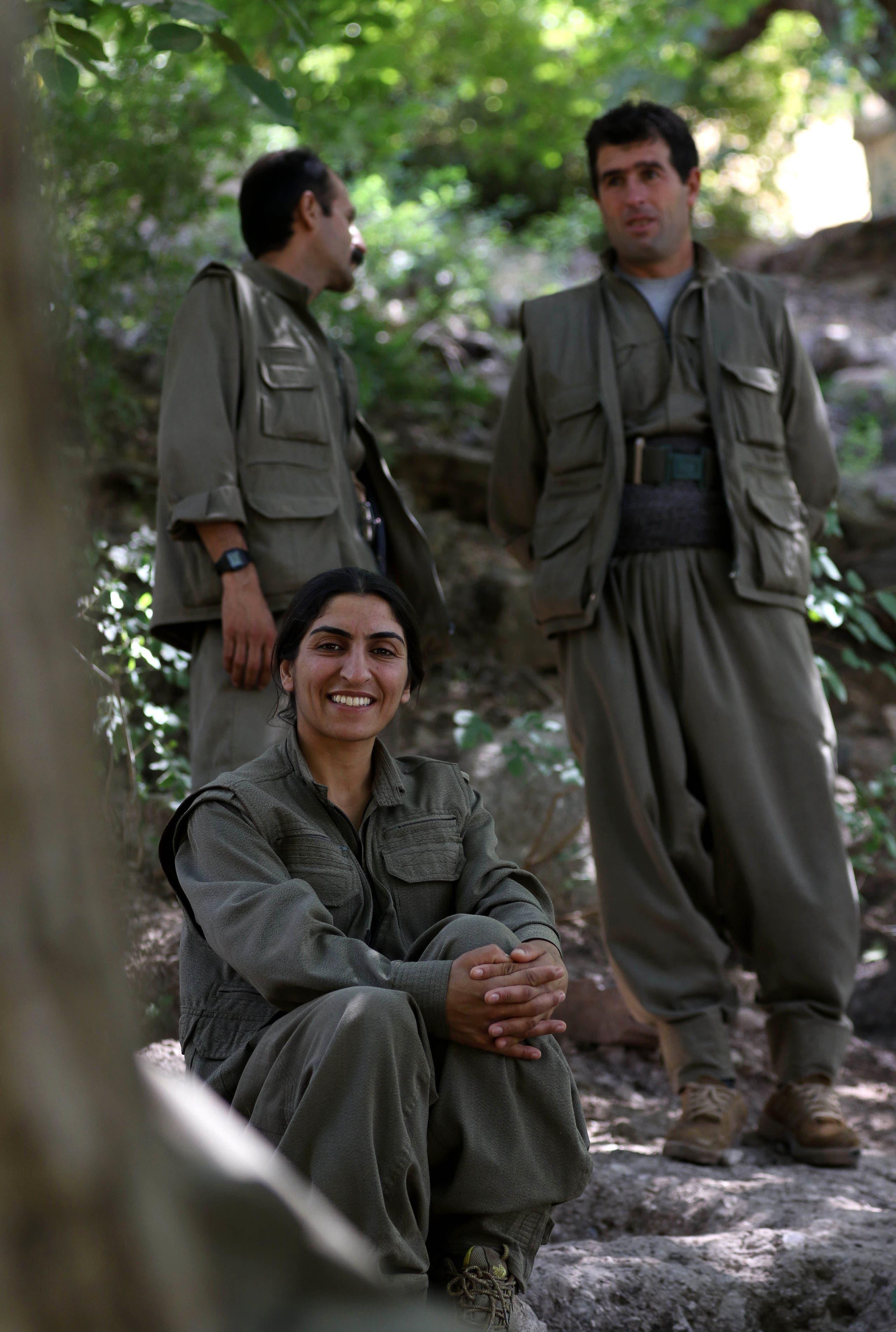 """عناصر من حزب """"حياة كردستان الحرة"""" في معسكر لهم على الحدود بين العراق وإيران (أرشيفية)"""