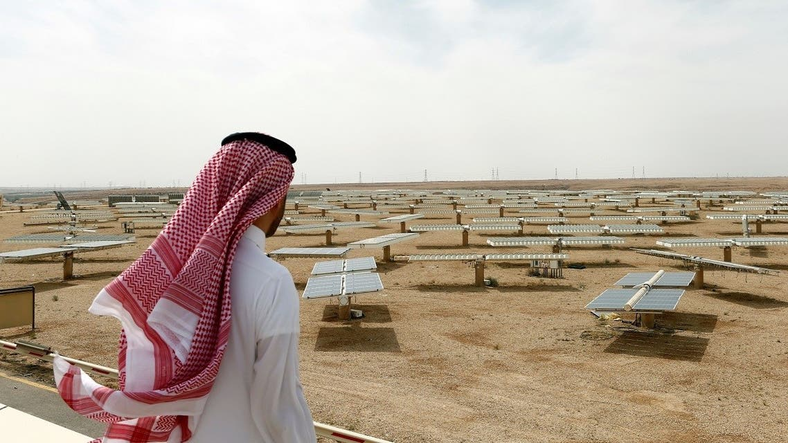 Saudi man looks at the solar plant in Uyayna, north of Riyadh, Saudi Arabia. (File photo: Reuters)
