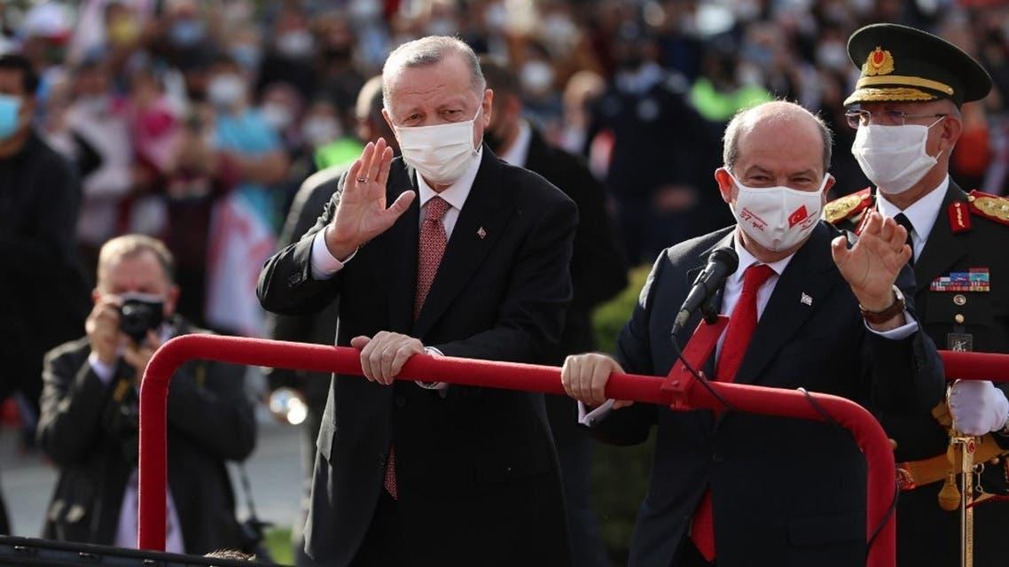رجب طيب أردوغان ورئيس جمهورية شمال قبرص التركية أرسين تتار في فاروشا- فرانس برس