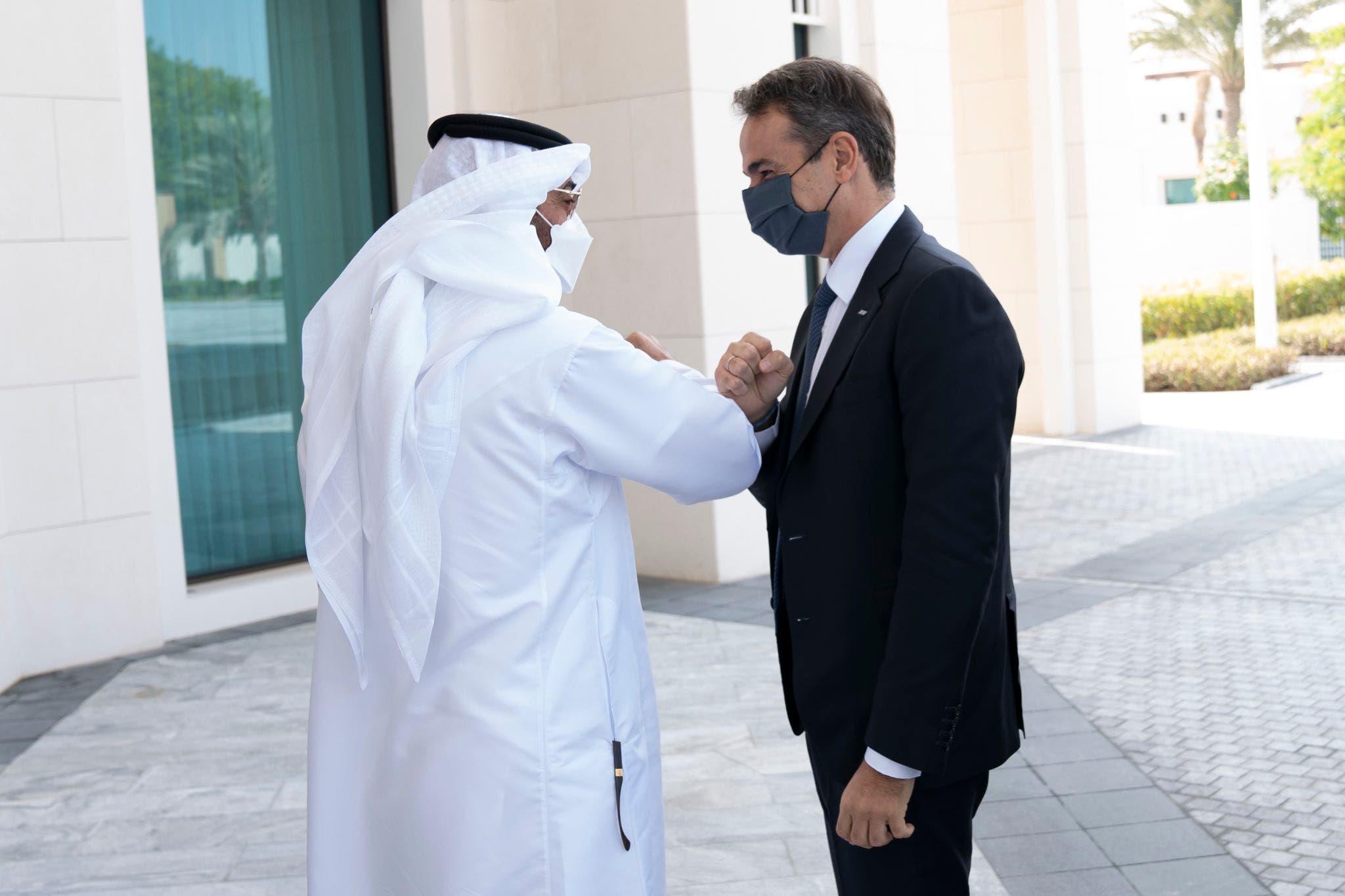 Abu Dhabi Crown Prince Sheikh Mohamed bin Zayed Al Nahyan, left, with Greek Prime Minister Kyriakos Mitsotakis. (Twitter)