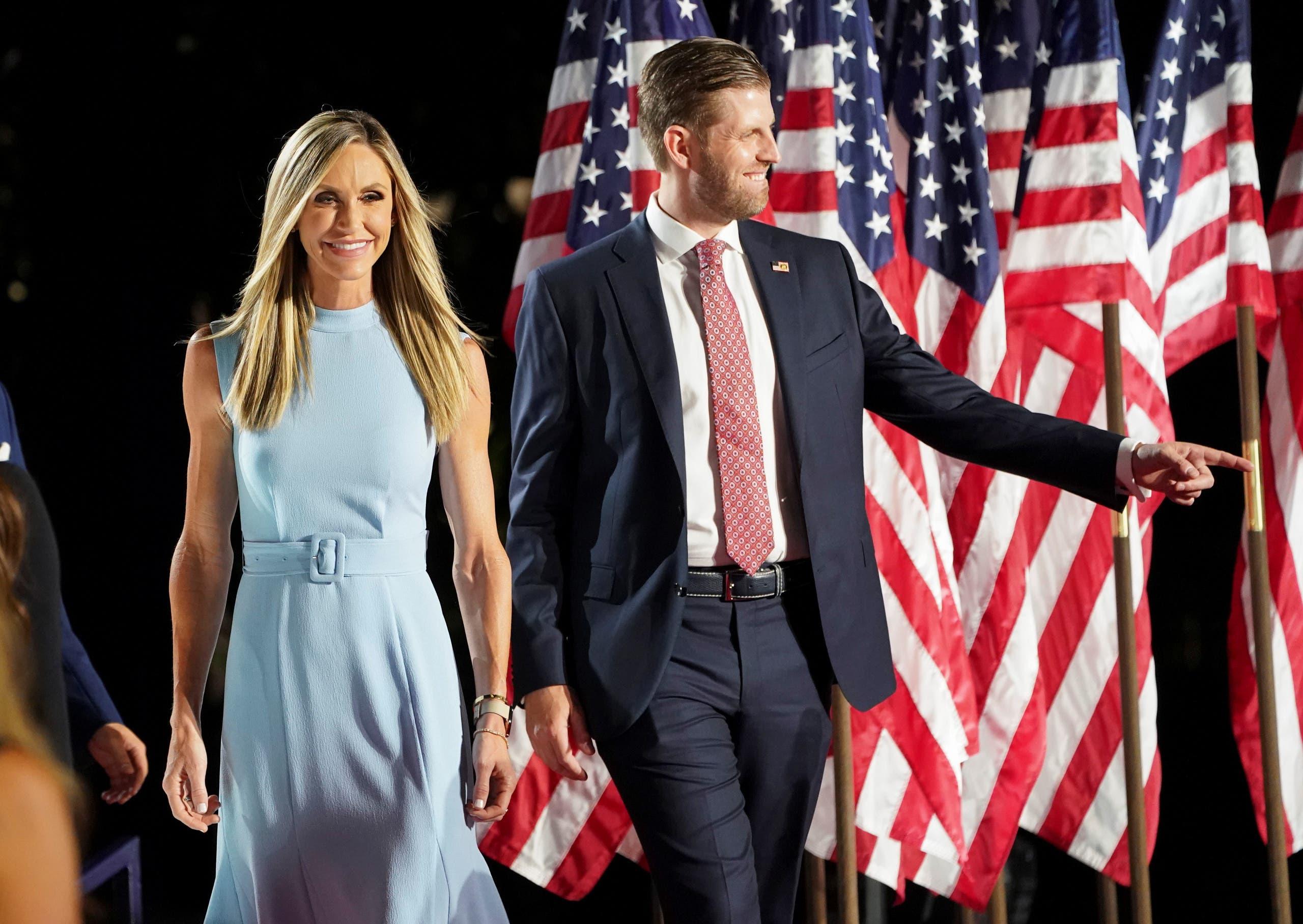 لارا ترمب مع زوجها ايريك خلال حضورهما مناسةب للحزب الجمهوري