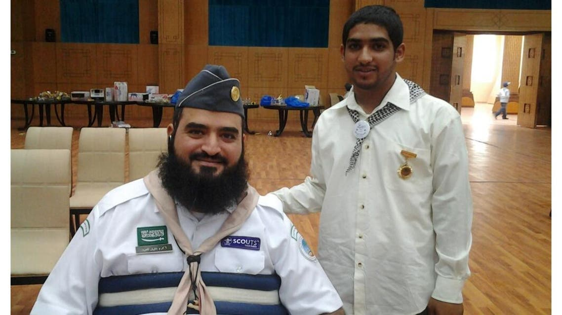 The story of a Saudi drawing with his head after suffering a quadriplegic