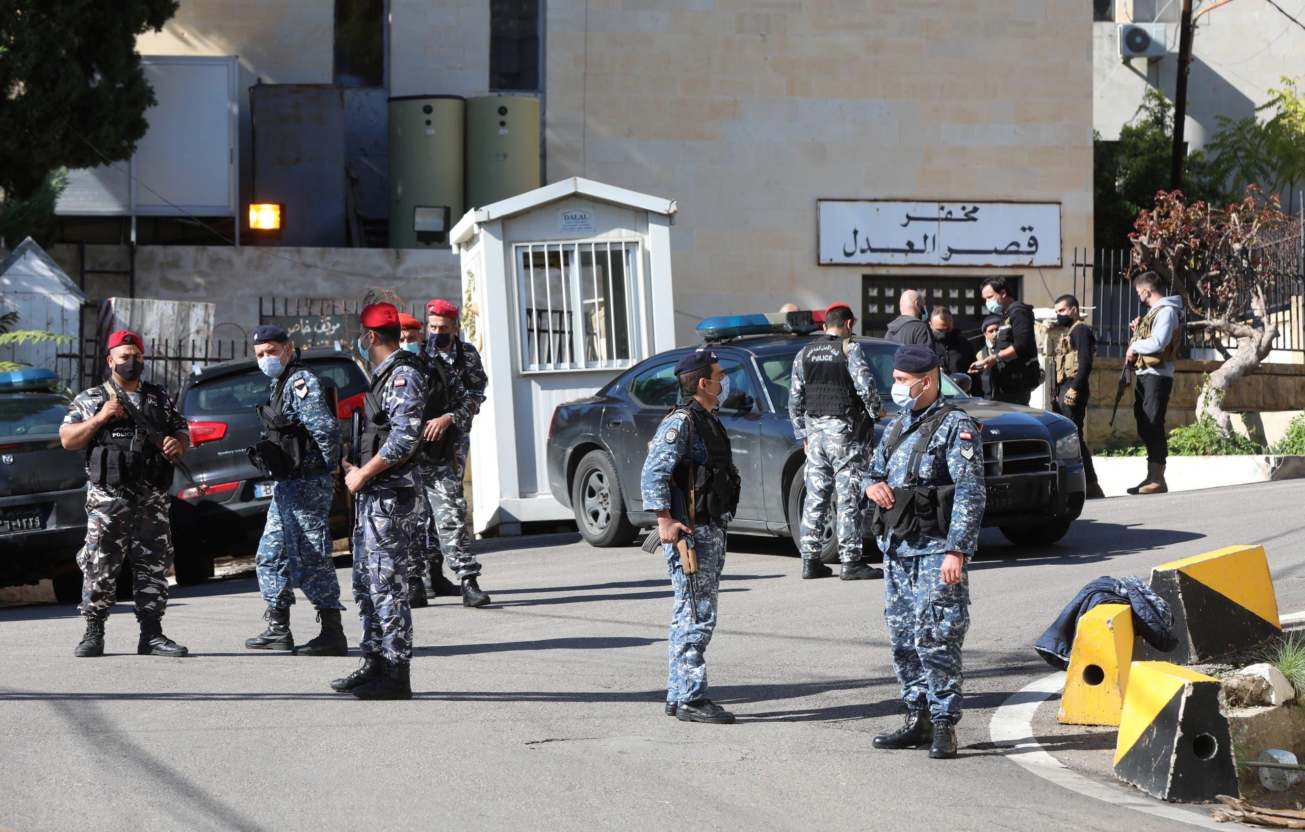 Members of the Lebanese police gather outside Baabda prison, Lebanon, November 21, 2020. (Reuters)