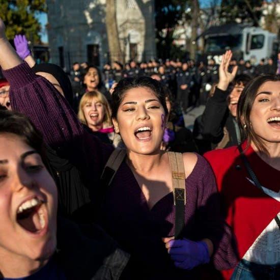أزمة قتل النساء تتفاقم بتركيا.. والسلطات تعاقب المدافعات عن حقوقهن