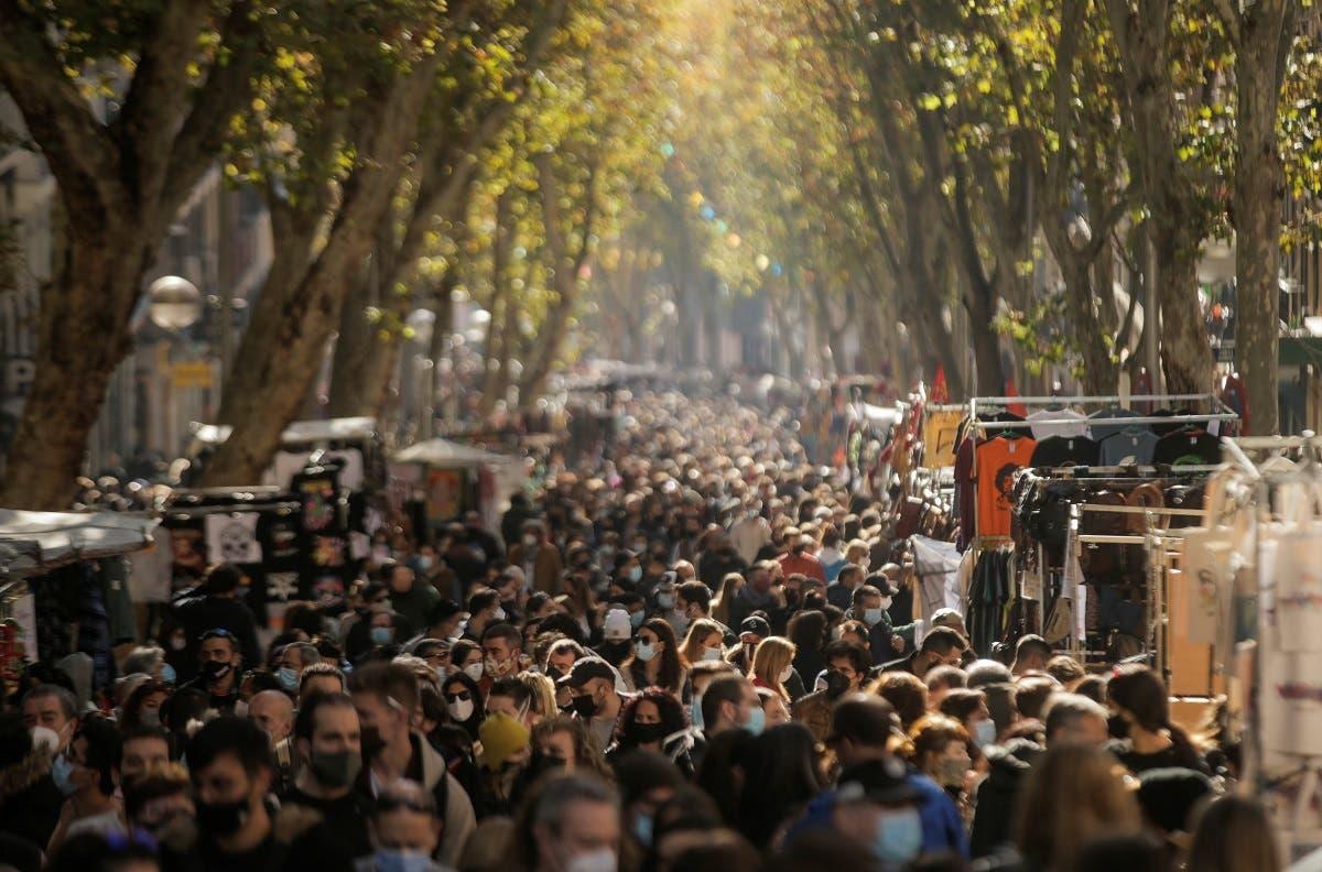 متسوقون في إسبانيا