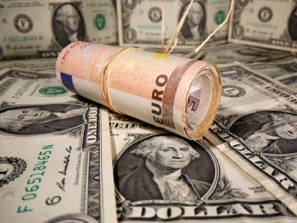 الدولار يرتفع لذروة شهر.. هبوط العملات عالية المخاطر