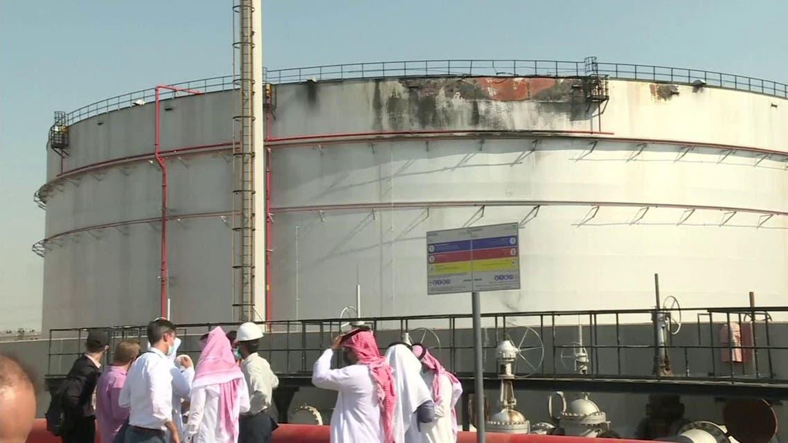 THUMBNAIL_ مشاهد من منشأة توزيع وقود جدة التي استهدفها الحوثيون أمس