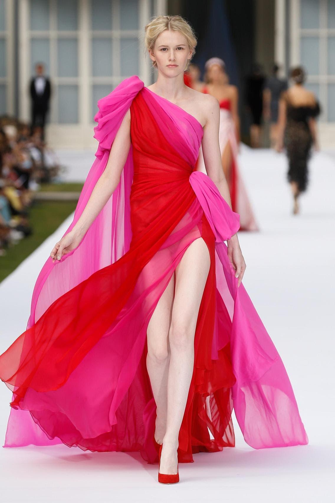 ثوب من تصميم رالف أند روسو