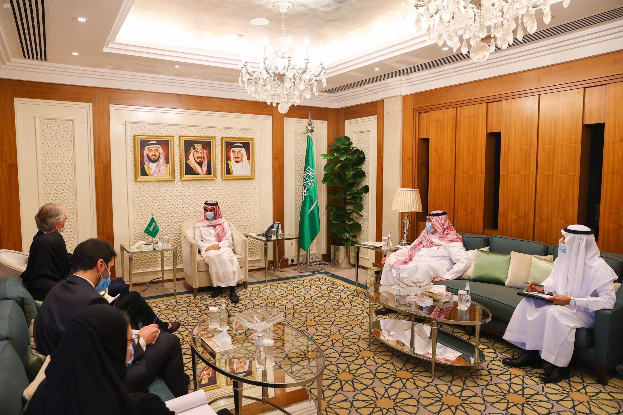 الأمير فيصل بن فرحان يستقبل المبعوث الأممي لسوريا