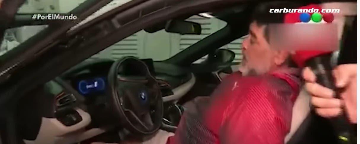 مارادونا في إحدى سياراته بدبي