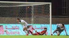 الشباب يهزم ضمك ويتصدر الدوري السعودي