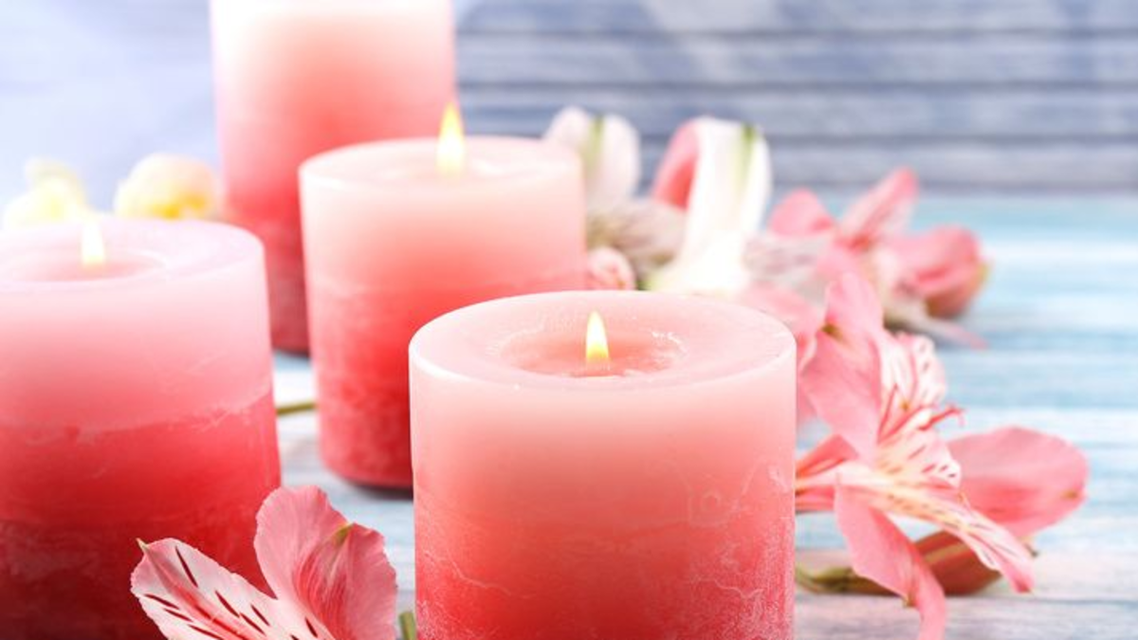 Pink scented candles. (Twitter)