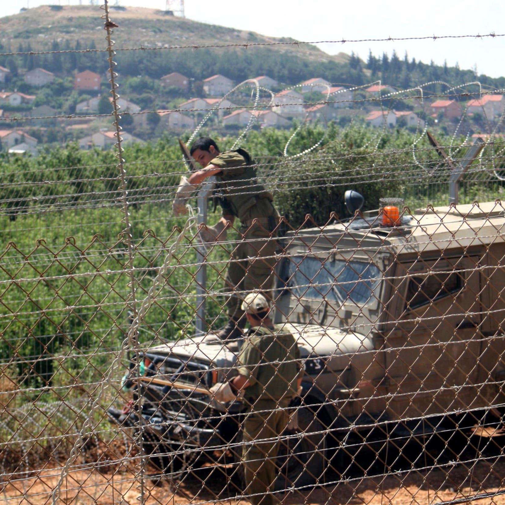 إسرائيل: القبض على شخصين تسللا عبر الحدود مع لبنان