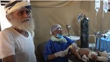 فيديو.. كبير العائلة المنكوبة يروي مأساة مجزرة الحديدة