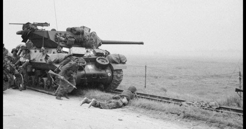 جانب من القوات الأميركية أثناء احدى العمليات القتالية على الساحة الأوروبية