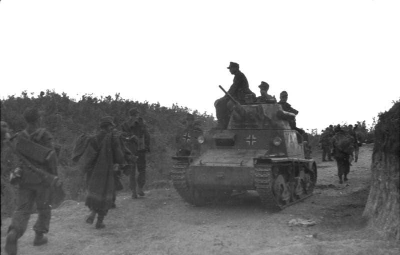 صورة لدبابة فيات أل 6 40  إيطالية