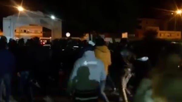 تونسيون يطردون المشيشي من مستشفى توفي فيه طبيب بسبب مصعد