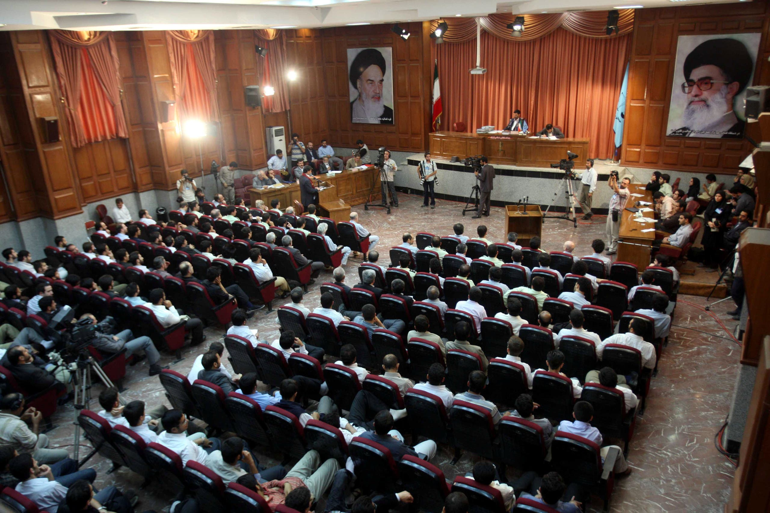 إحدى قاعات المحكمة الثورية في طهرن (أرشيفية)
