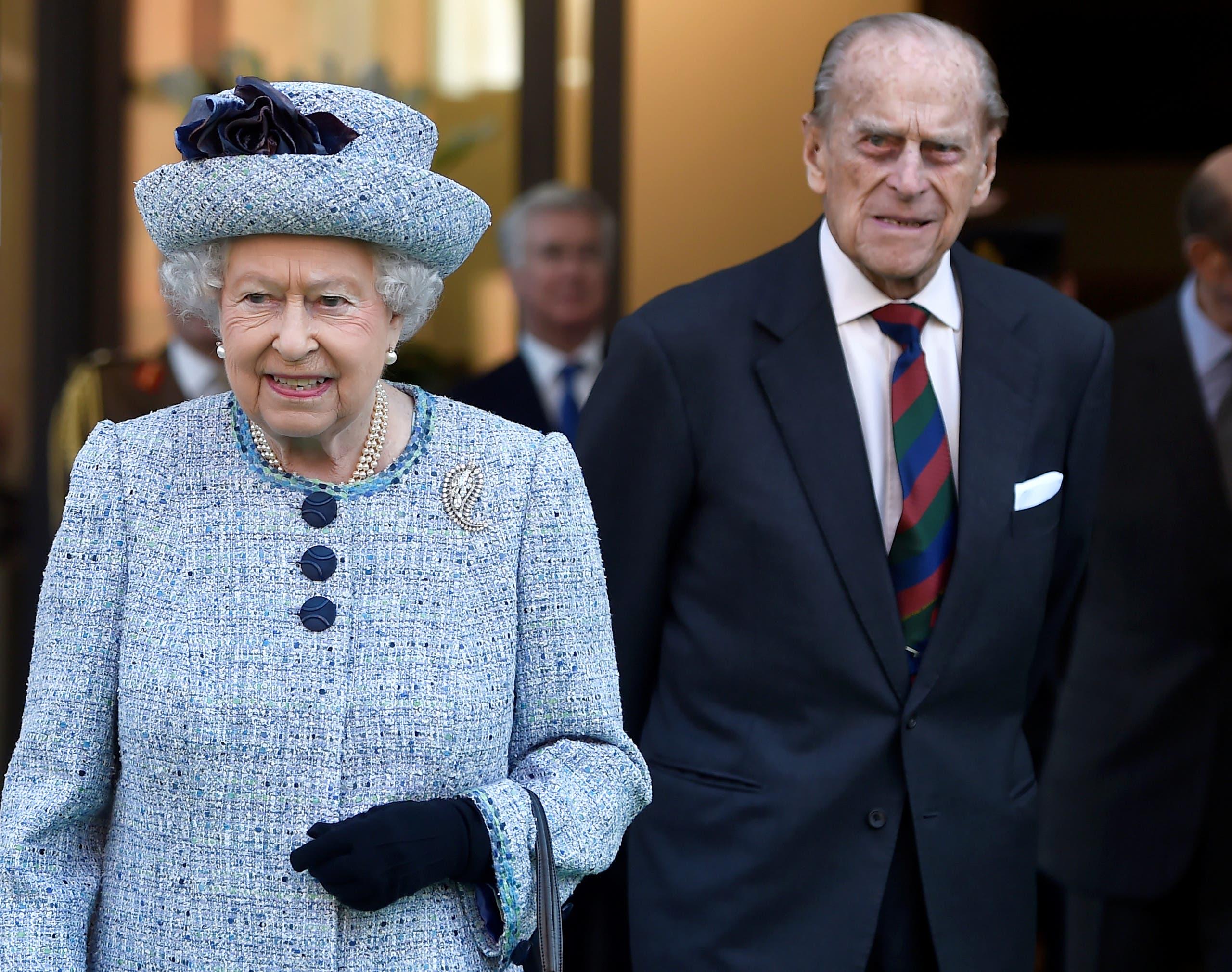 الملكة إليزابيث الثانية وزوجها الأمير فيليب