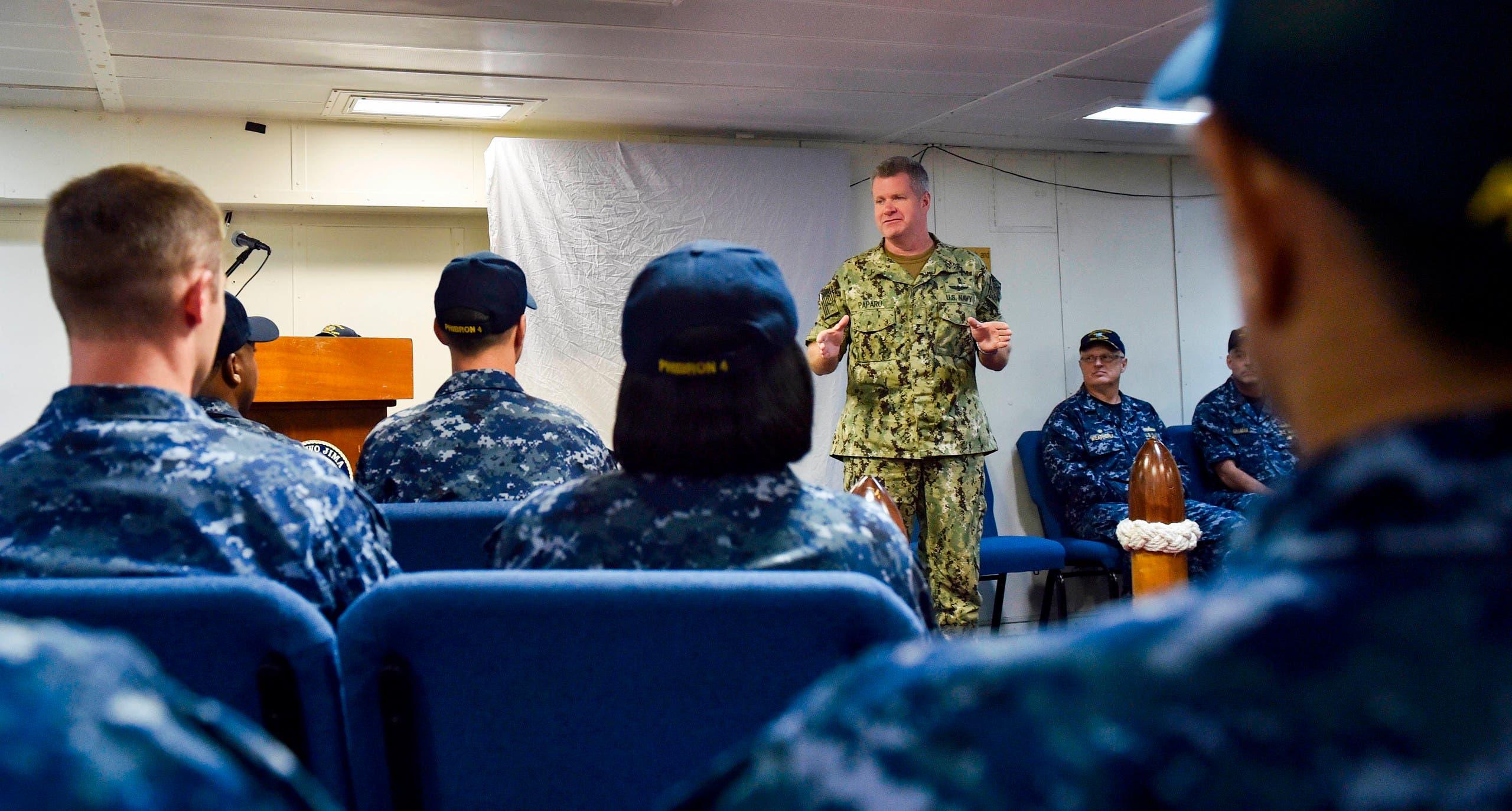 Vice Admiral Sam Paparo speaks to sailors about the amphibious assault ship USS Iwo Jima off Mayport, Florida, Sept. 20, 2017. (File photo: AP)