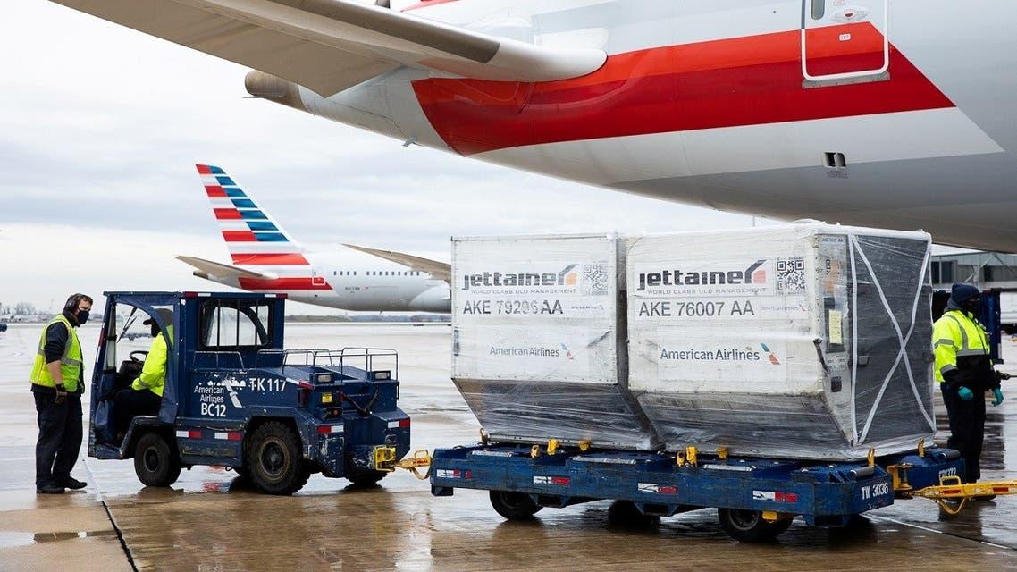 An American Airlines cargo plane is unloaded at Philadelphia International Airport in Philadelphia, Pennsylvania, US, December 4, 2020. (Reuters/Rachel Wisniewski)