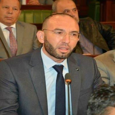 قيادي تونسي يتهم برلمانيا في