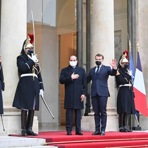 السيسي يتهم الإخوان بنقل التطرف لفرنسا والعالم