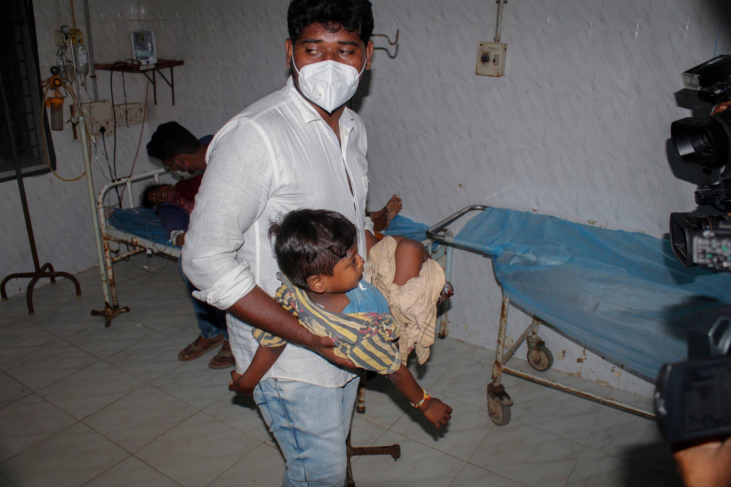 طفل مصاب بالمرض الغامض