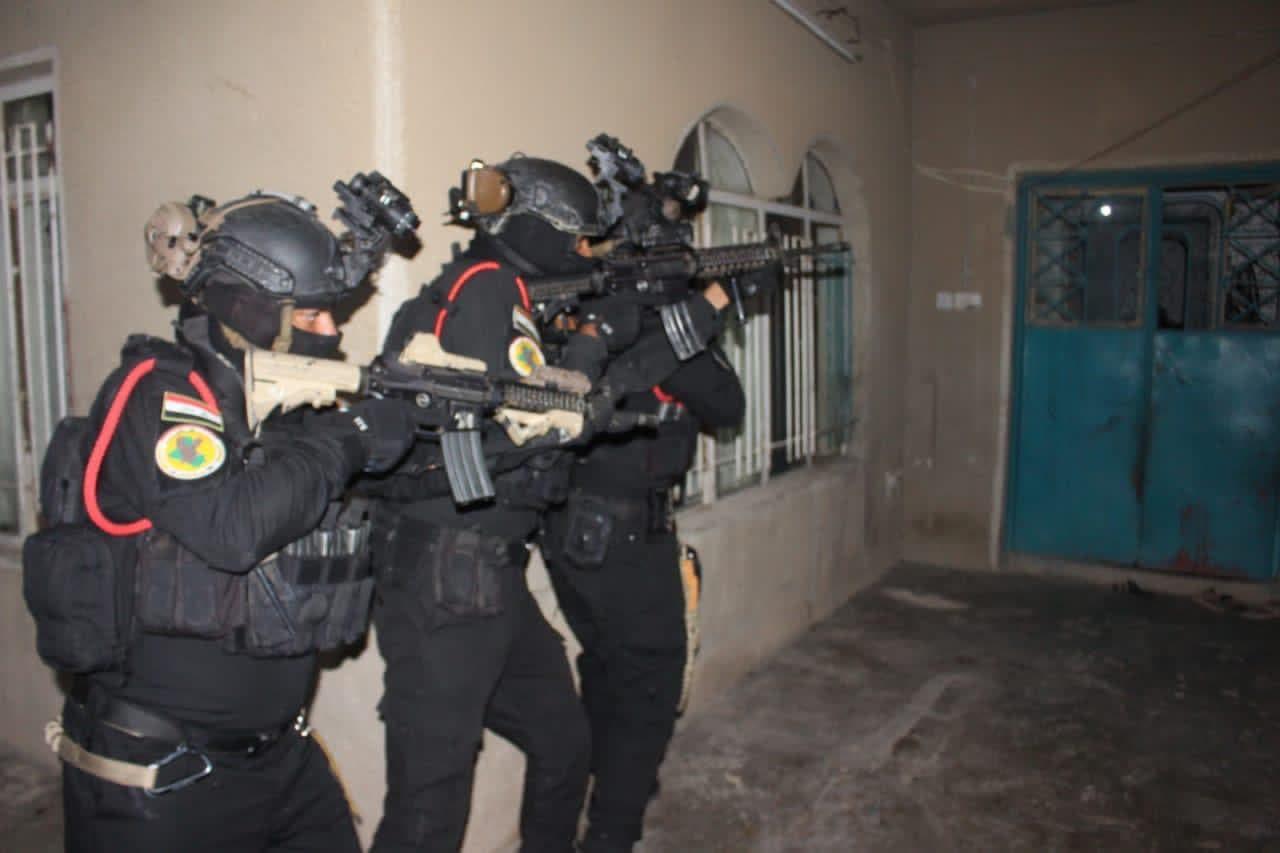 Iraq's Counter-Terrorism Service carries out a raid. (Military spokesman Brigadier General Yahya Rasool via Twitter)