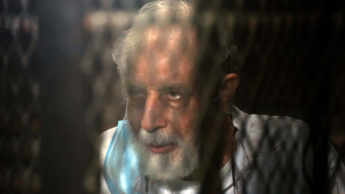 Mahmud Ezzat, the Muslim brotherhood group acting leader, during his first session in his trial . (AFP)