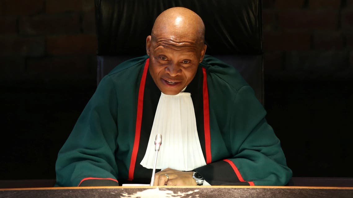 South Africa's Chief Justice Mogoeng Mogoeng gestures as he makes a ruling at the Constitutional Court in Johannesburg, South Africa, on June 22, 2017. (Reuters/Siphiwe Sibeko)