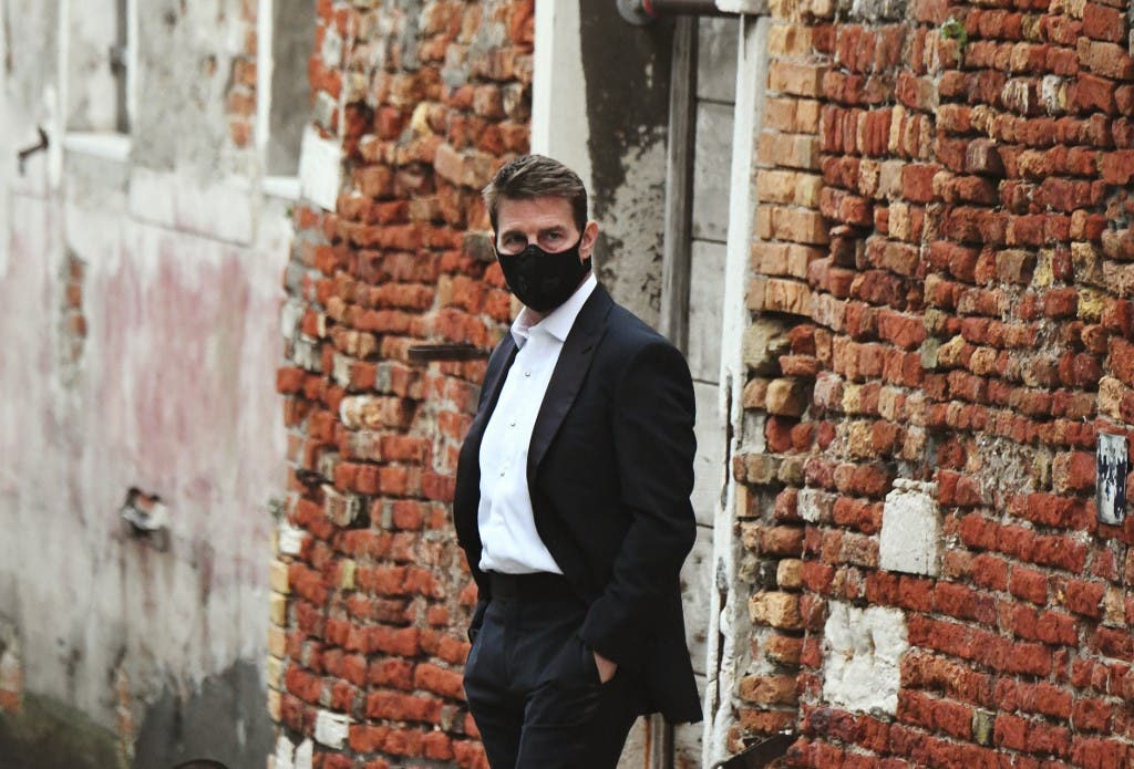 توم كروز أثناء تصوير فيلمه المهمة المستحيلة في روما