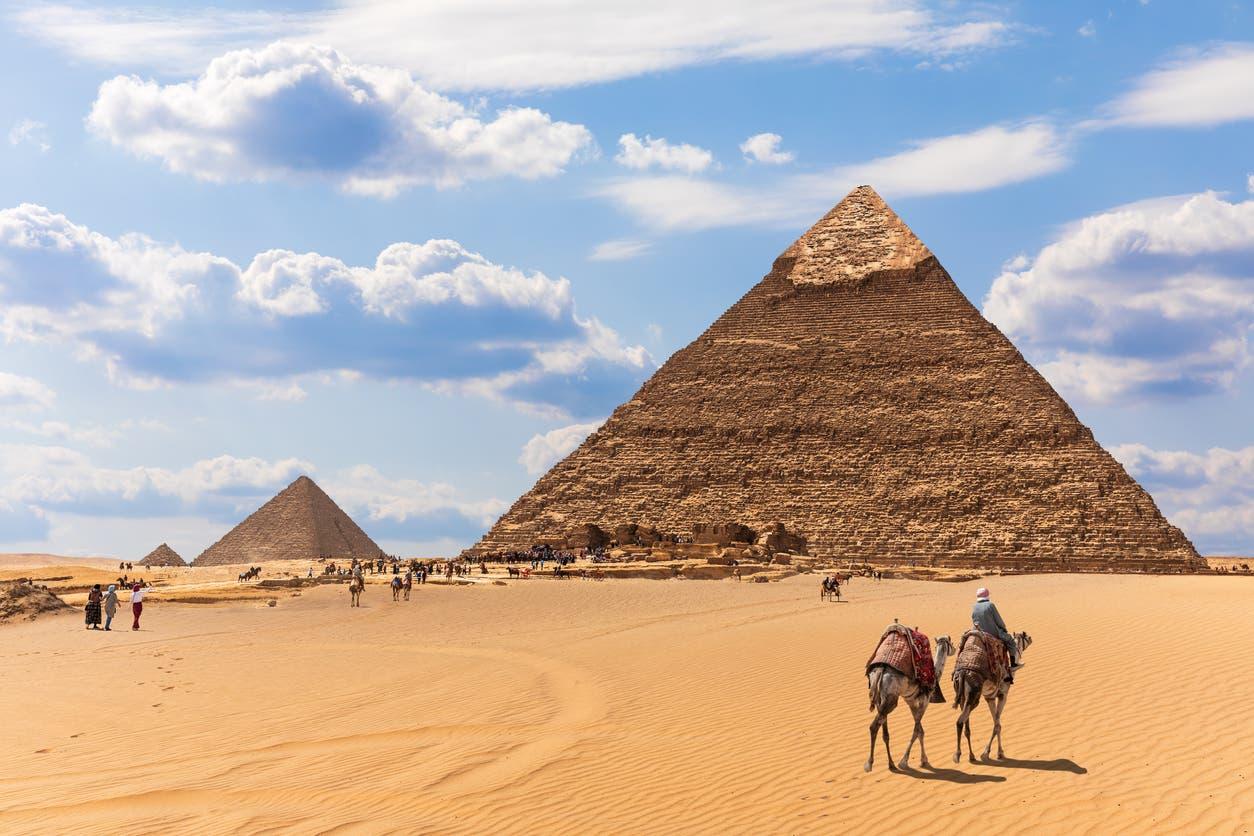 الهرم الأكبر في الجيزة بمصر