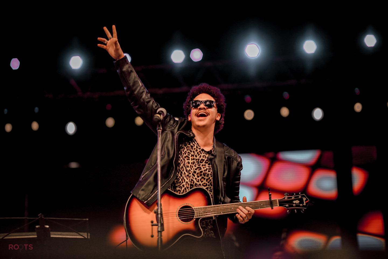 Jindi performs on stage. (Facebook)