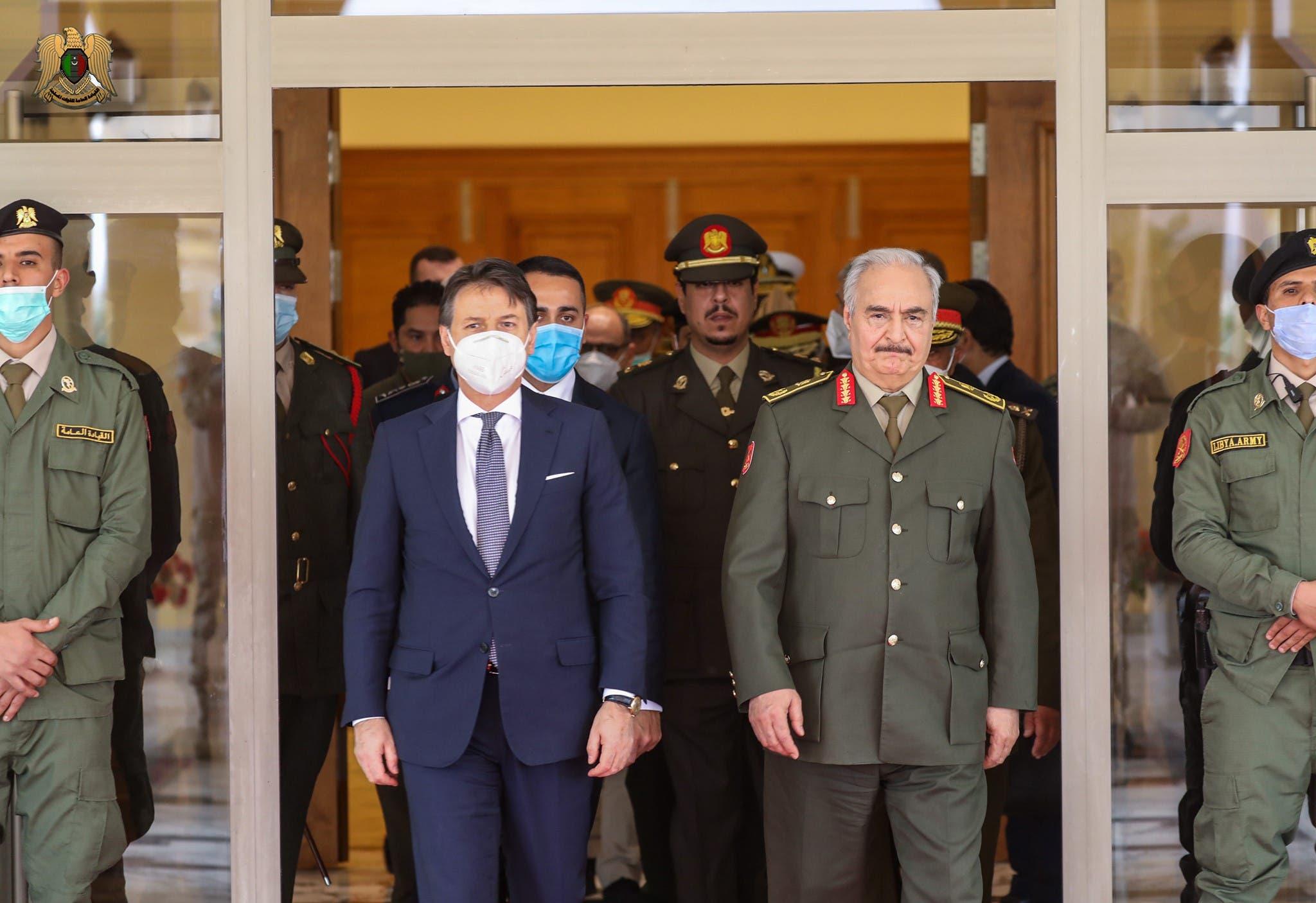 قائد الجيش الليبي خليفة حفتر و رئيس الوزراء الإيطالي جوزيبي كونتي