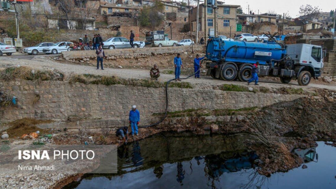 ایران؛ شکستگی لوله انتقال نفت بر اثر فرسودگی و بارش باران باعث آلودگی منطقه شد