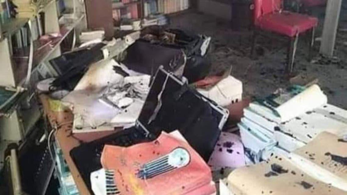 ميليشيا الحوثي تحرق مكتبة حجة