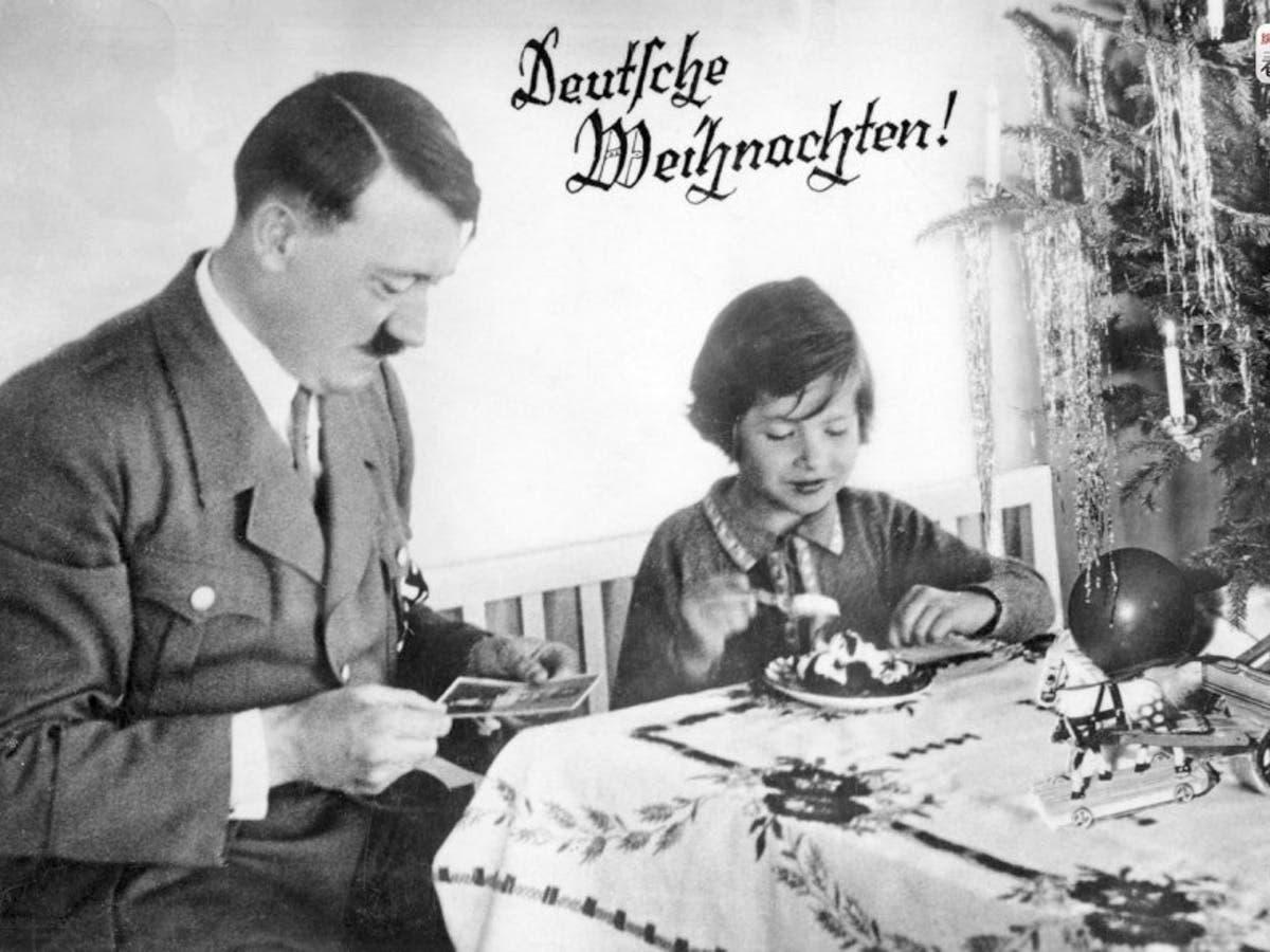 هتلر أثناء فترة أعياد الميلاد