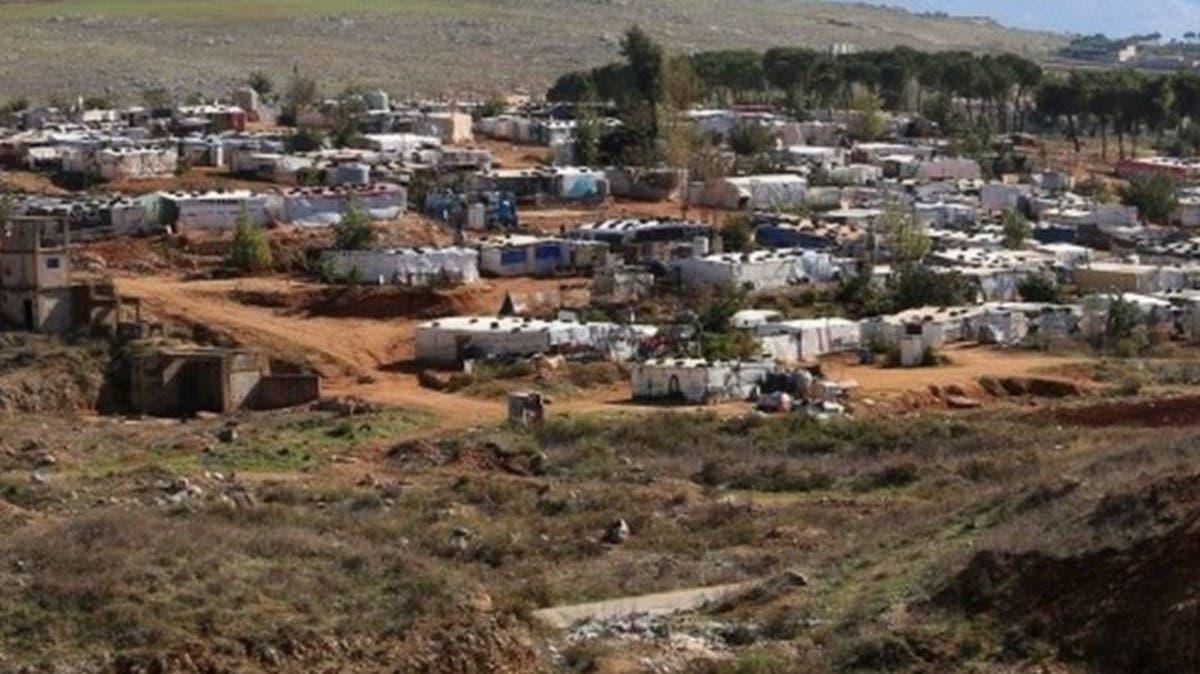 لبنان.. إضرام النيران في مخيم للاجئين السوريين